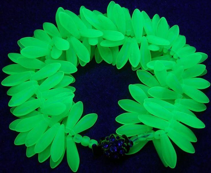 """Milky Green Uranium Vaseline Dagger Czech Glass Beads Bracelet 8- 8-1/2"""" 19-21cm #Cluster"""