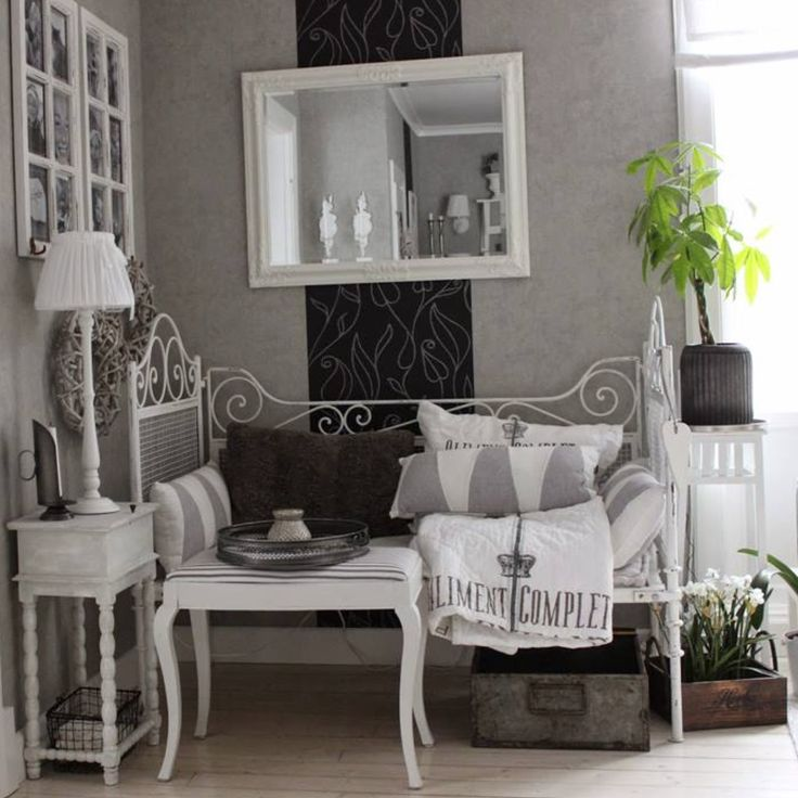 Top 25 ideas about Meubels van Jeanne d'Arc Living on Pinterest Shabby chic, Cabinets and Cubbies