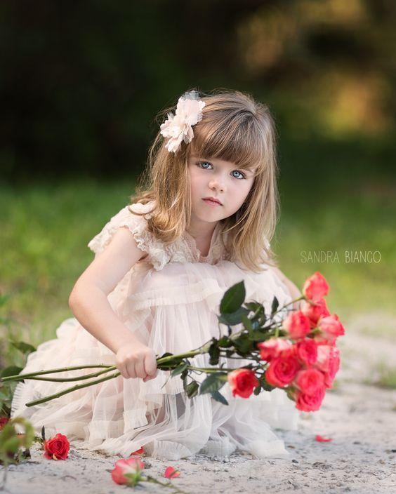 صور اطفال صور اطفال جميله بنات و أولاد اجمل صوراطفال فى العالم Beautiful Children Beautiful Little Girls Girls With Flowers