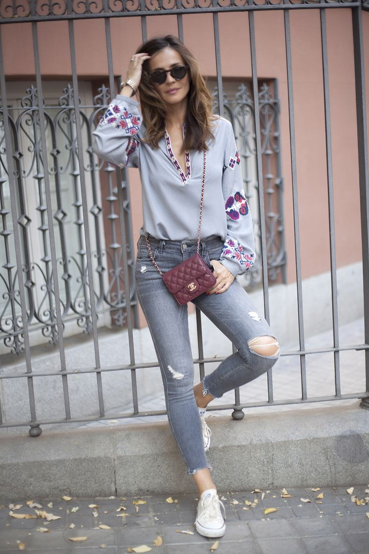 Lady Addict. Grey boho blouse+grey ripped cropped jeans+white sneakers+burgundy crossbody+sunglasses. Pre-Fall Transitional Outfit 2016