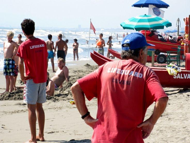 lifeguard at work #italy #lucca #fortedeimarmi #versilia #beach #spiaggia #rivera #mare #sea  #vacanze #travel #viaggio
