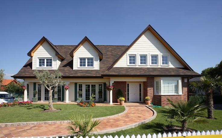 Casa americana con jard n - Casas con porche ...