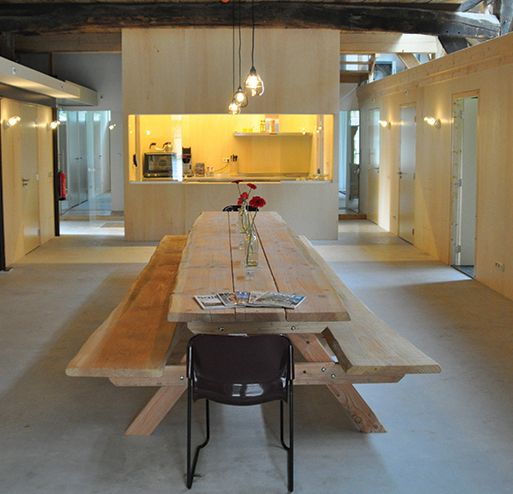 """Een unieke groepsaccommodatie voor groepen tot 20 personen. Een """"broedplaats"""" voor inspiratie- en themasessies. En is helemaal ingericht voor """"samen""""."""