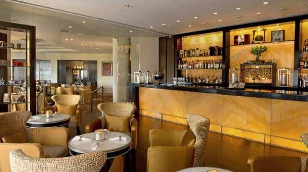 10 Best Restaurants For A Romantic Candle Light Dinner In Delhi