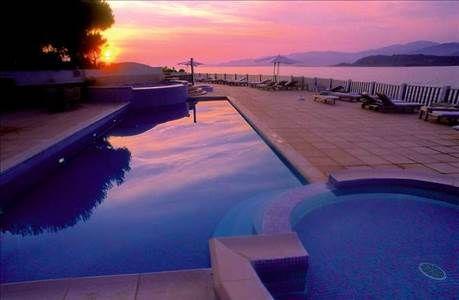 Vacances Corse Look Voyages, séjour Hotel Castel d'Orcino - Calcatoggio prix promo vacances Look Voyages à partir 986,00 € TTC. Hotel Castel d'Orcino : Son cadre exceptionnel et intimiste est idéal pour passer des vacances reposantes