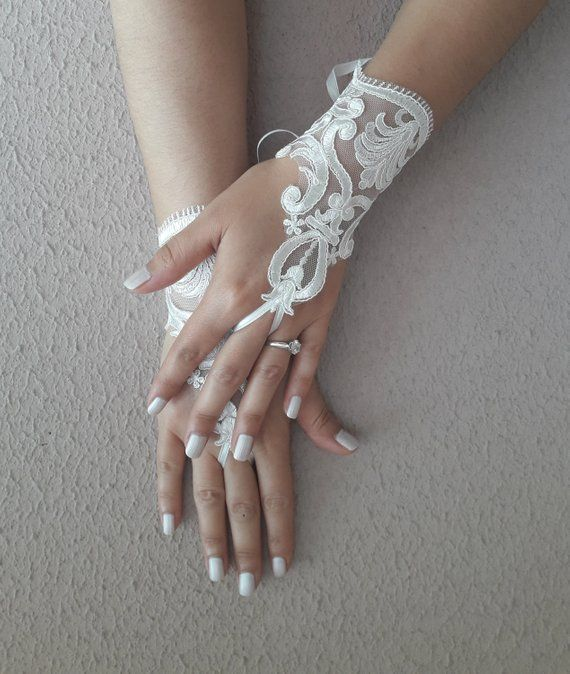Wedding Gloves Ivory Lace With No Fingerprints