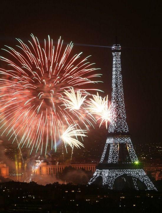 Feu D'artifice 14 Juillet | Feu d'artifice du 14 juillet Paris 2014