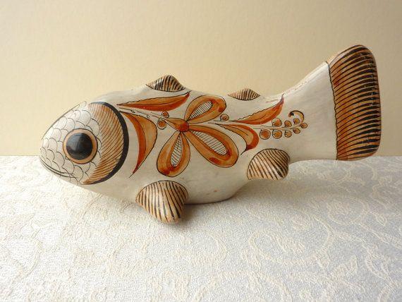 Mexikanische bemalte Keramik Fisch Ornament  von FireHorseVintageHQ