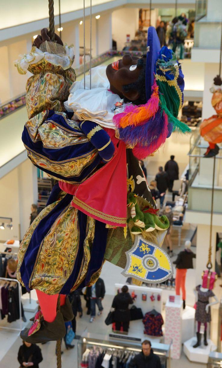 Zwarte Piet, De Bijenkorf, Amsterdam.