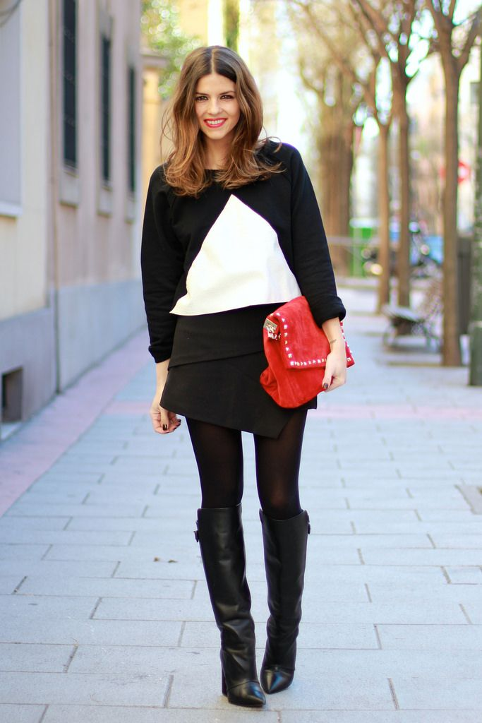trendy_taste-look-outfit-street_style-blogger-ootd-fashion_spain-moda_españa-blanco_negro-b&w-black&white-zara-black_coat-abrigo_negro-bolso_rojo-red_handbag-givenchy_boots-polaroid-9114