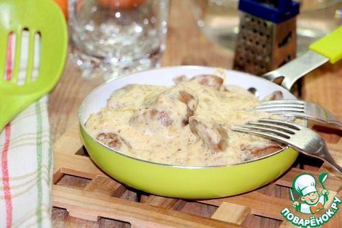 """Куриная печень в соусе """"Морней"""" - кулинарный рецепт"""