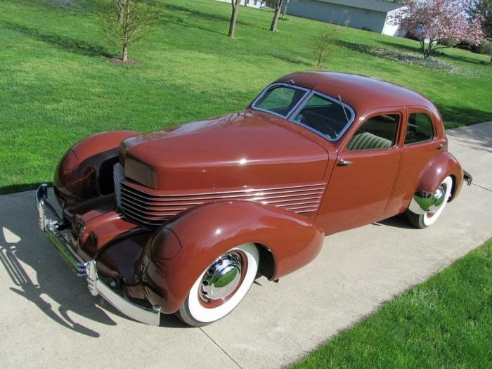 1937 Cord 812 Beverly Sedan