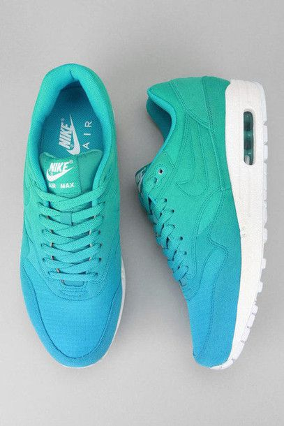 shoes blue green white nike airmax lovely nike air max color fade ombre nike air sneakers pls lovelovelove shoes, blue, nikes, green nikeairmax1 turquoise summer turquiose woman shoes nike running shoes tye dye nike, blue nike air max 90