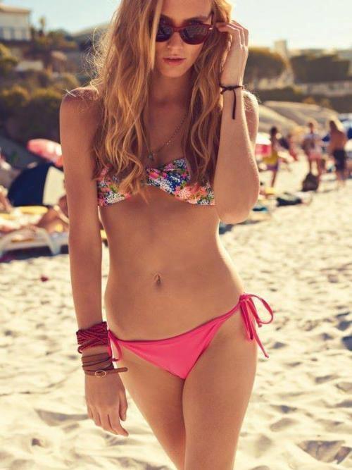 : Floral Bikini, Style, Swim Suits Bikinis, Bikini Tops, Swimsuits, Swimwear, Beachwear Swimmsuit, Summertime, Floral Top