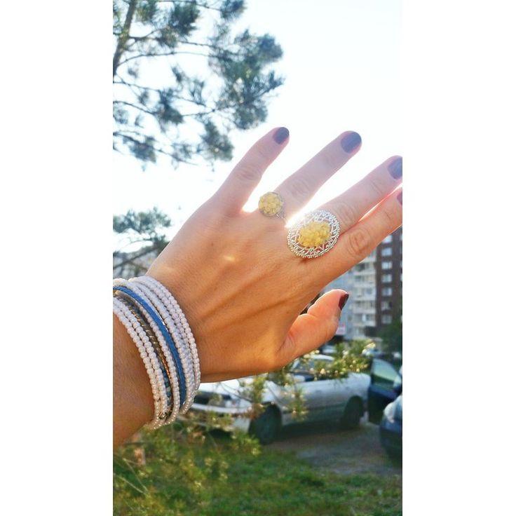 "Yellow stone ring on a hand  Кольцо с желтым камнем на руке ""Детали определяют стиль"" #ДавлетАСтиль ***** #shopdavleta #русскиедизайнеры #davleta_ru #давлета #АнастасияДавлетшина #камни #натуральныекамни #магия #couture #мода #москва #jewelry #luxury #fashion #naturalstones #russian #druzy #друза #precious #mineral #украшения #стилист #metiersdart"
