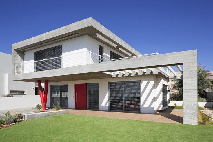 יצוק בנוף: בית עשוי רצועות בטון עם טאץ' קליל | בניין ודיור
