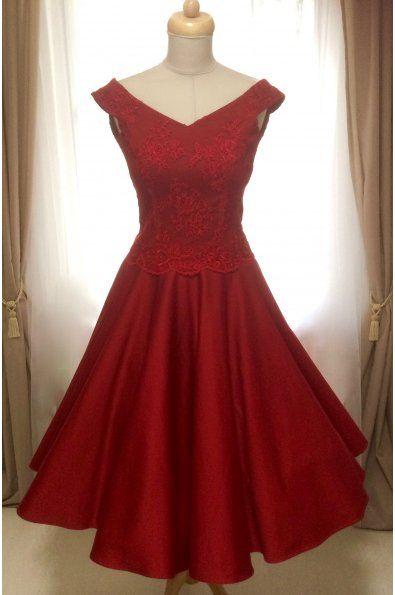 Krátké společenské šaty MILLA s krajkovým živůtkem - více barev šaty mají širší V výstřih protažený na ramena širší ramínka materiál: saténová bavlna a vyšívaná krajka kolová sukně, zip na zádech