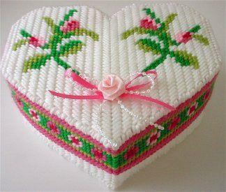 ROSEBUD HEART TRINKET BOX 1/3
