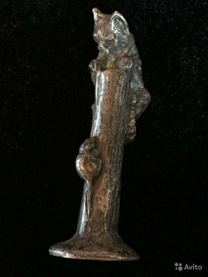 Серебряная фигурка,  Кот на дереве боится мыши, серебро 84 пробы, 19 век, литье, чеканка, резьба. Вес: 36, 53 гр, высота: 5 см - 4 000 руб.