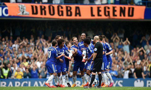 Didier Drogba carried off by Chelsea team-mates during final game #DailyMail