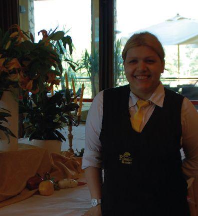 Anna - Waitress