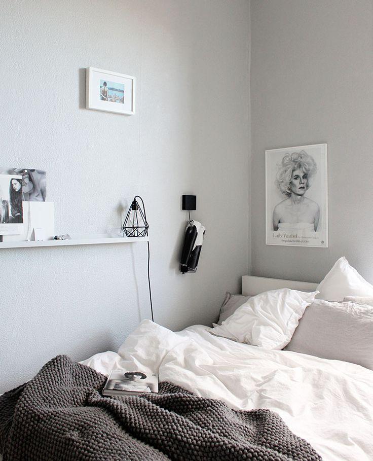 Chambre grise et blanche, pure, cocon, cosy