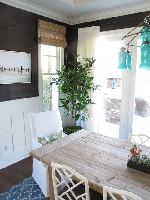 grasscloth walls. elegant and simple.