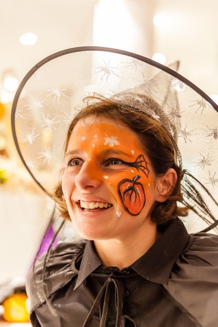 Cappelli da strega, ragnatele e tanta voglia di divertirsi: questo è Halloween 2014!
