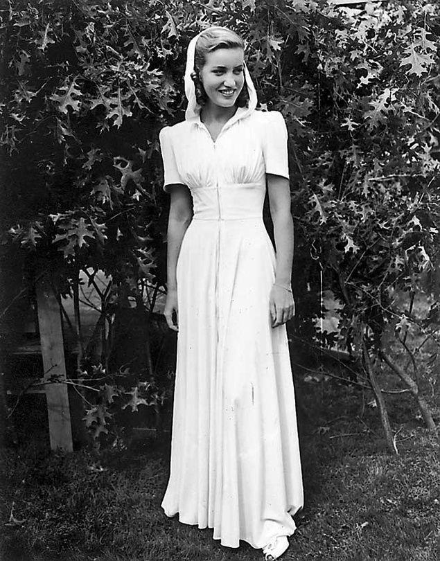 Edith bouvier beale her pinterest - Edith bouvier beale grey gardens ...