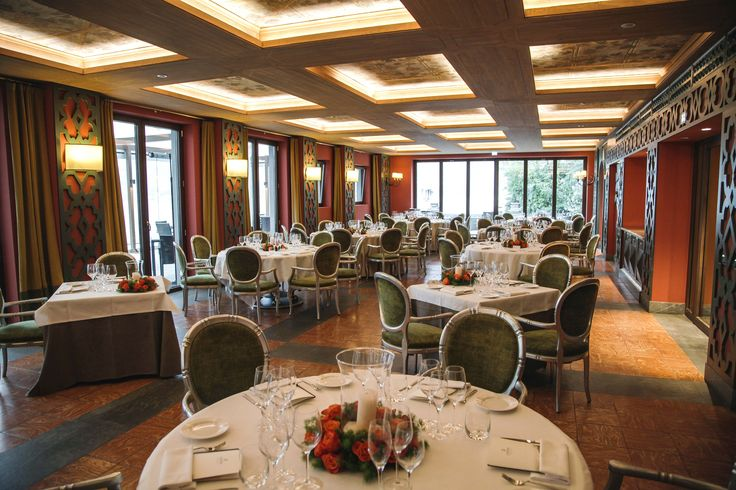 Signature Italian dining in elegant surroundings... CastaDiva Resort & Spa Lake Como.  Chef Esposito will light up your dinner on September the 21st & 22nd. Info: ristorante@castadivaresort.com | (+39) 031 3251 3034/6034 www.castadivaresort.com #Fine #Dining #Gourmet #Dinners