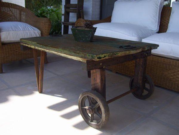 mesas ratonas rusticas con ruedas - Buscar con Google