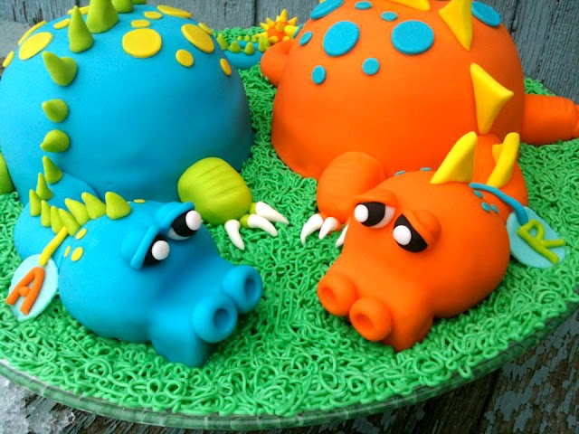 Dinosaur Twins Birthday Cake Evan and Dylan will loves this.