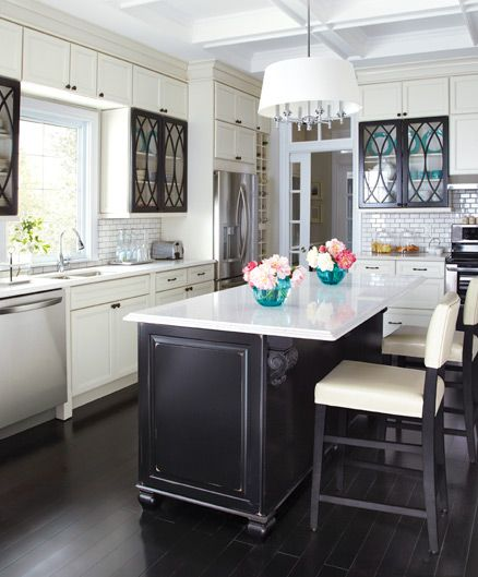 Design Kitchen Cabinet Online: Loving This Contrasting Kitchen In Home Depots New Online
