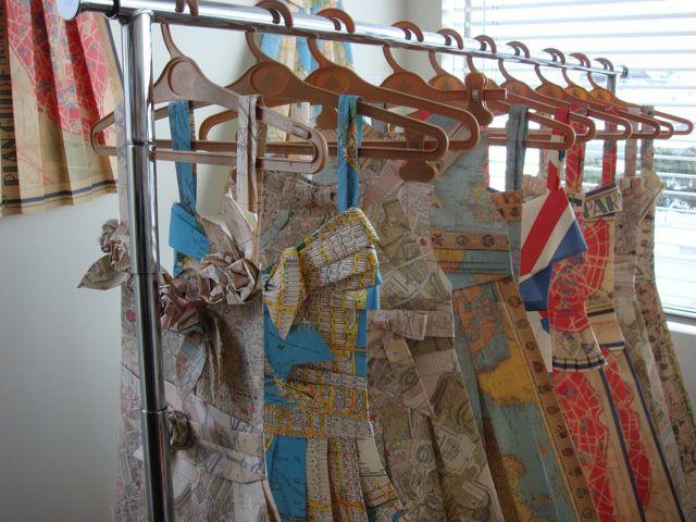 .Paper Clothing, Vintage Paper, New Adventure, Travel Maps, Paper Dolls, Paper Dresses, Vintage Maps, Maps Dresses, Travel Wardrobes