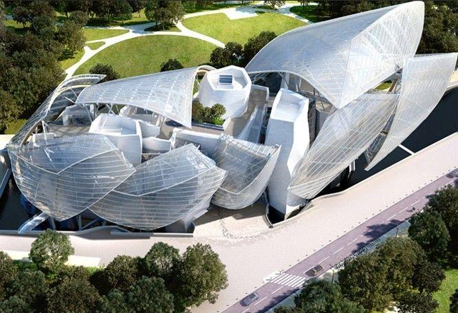 La Fondation Louis Vuitton (France, Paris) Cette véritable œuvre architecturale, que l'on doit à Frank Gehry, sera inaugurée dans l'année au cœur du bois de Boulogne. Ce lieu a pour objectif de promouvoir l'art et la culture et de pérenniser les actions de mécénat engagées depuis une quinzaine d'années par LVMH. art nouveau / musée / déconstructivisme /inspire cristal palace = verre fonte / structure verre + fer / grand, imposant,expressif = bateau > voile / édifice détacher