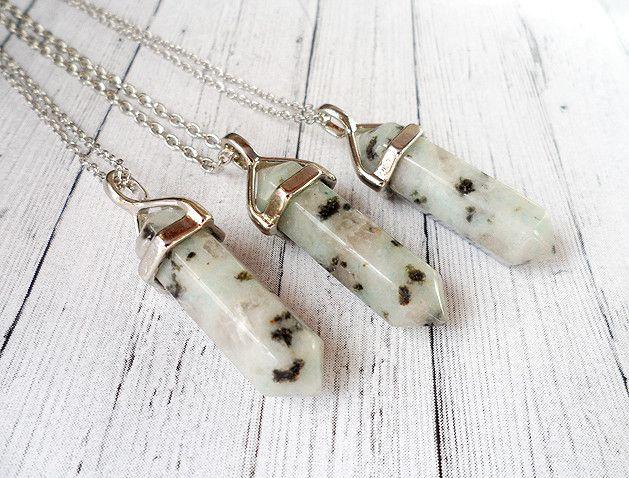 Piękne naszyjniki w kształcie minerałów <3  #necklace #mineral #beautiful #tend #vumag