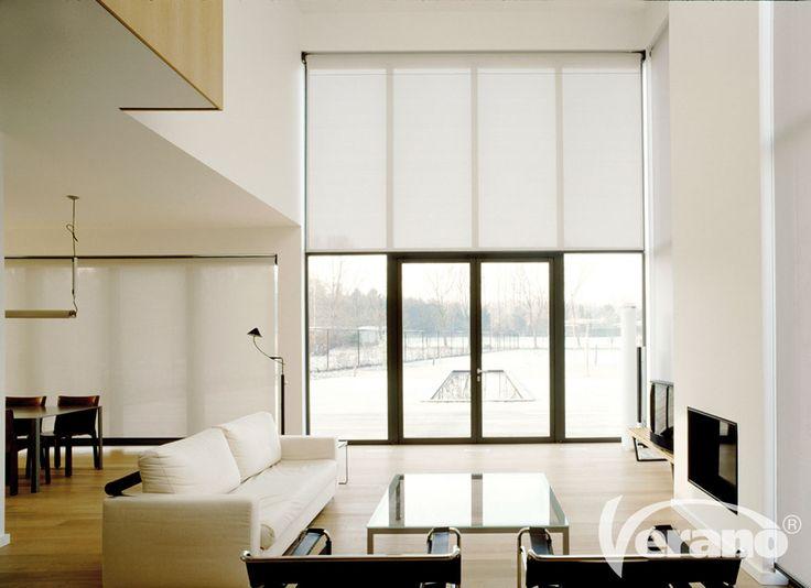 #Binnenscreens zijn perfect voor hoge #ramen. Met #zachte #tinten behoudt u toch een lichte #woonkamer.