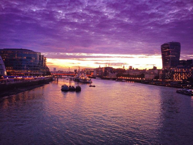 Beautiful sunset needs cloudy sky! #sunset_photography #photogram #cloudy_sky #skyline #waterscape #cityscape #lindon #beautiful_panorama #pano #lights #buildings_shotz #sparkle_sunset #reflection #architecturelovers #boats #canal #clouds #sunsetporn #relaxingday #momentoftheday #photooftheday #memoriesframing #iphoneography