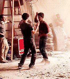 Adorable Dylan and Tyler Posey fake-fighting BTS of promo S4
