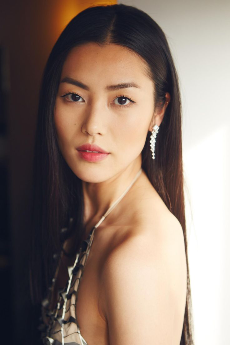 Liu Wen. Photo: Estee Lauder .