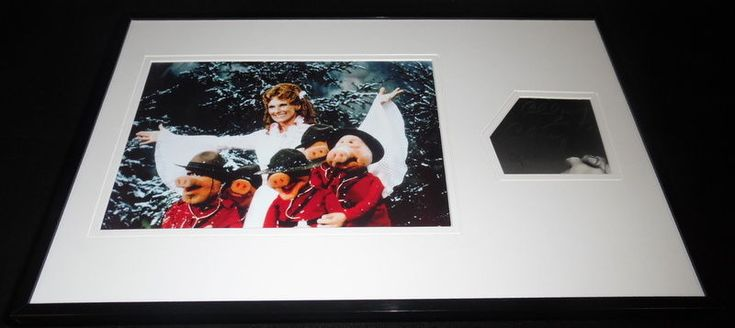 Cloris Leachman Signed Framed 11x17 Photo Display Muppet Show