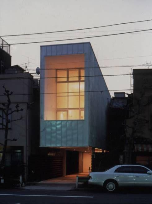 らっぱの家: 星設計室が手掛けたモダン家です。