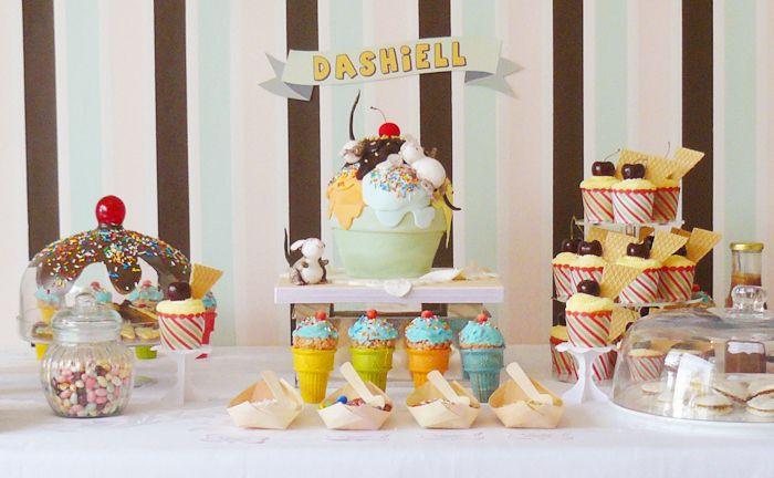 Ice Cream Sundae Guest Dessert Feature | Amy Atlas Events