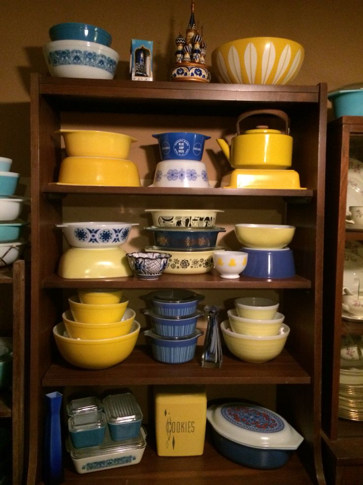 Blue and Yellow Pyrex display