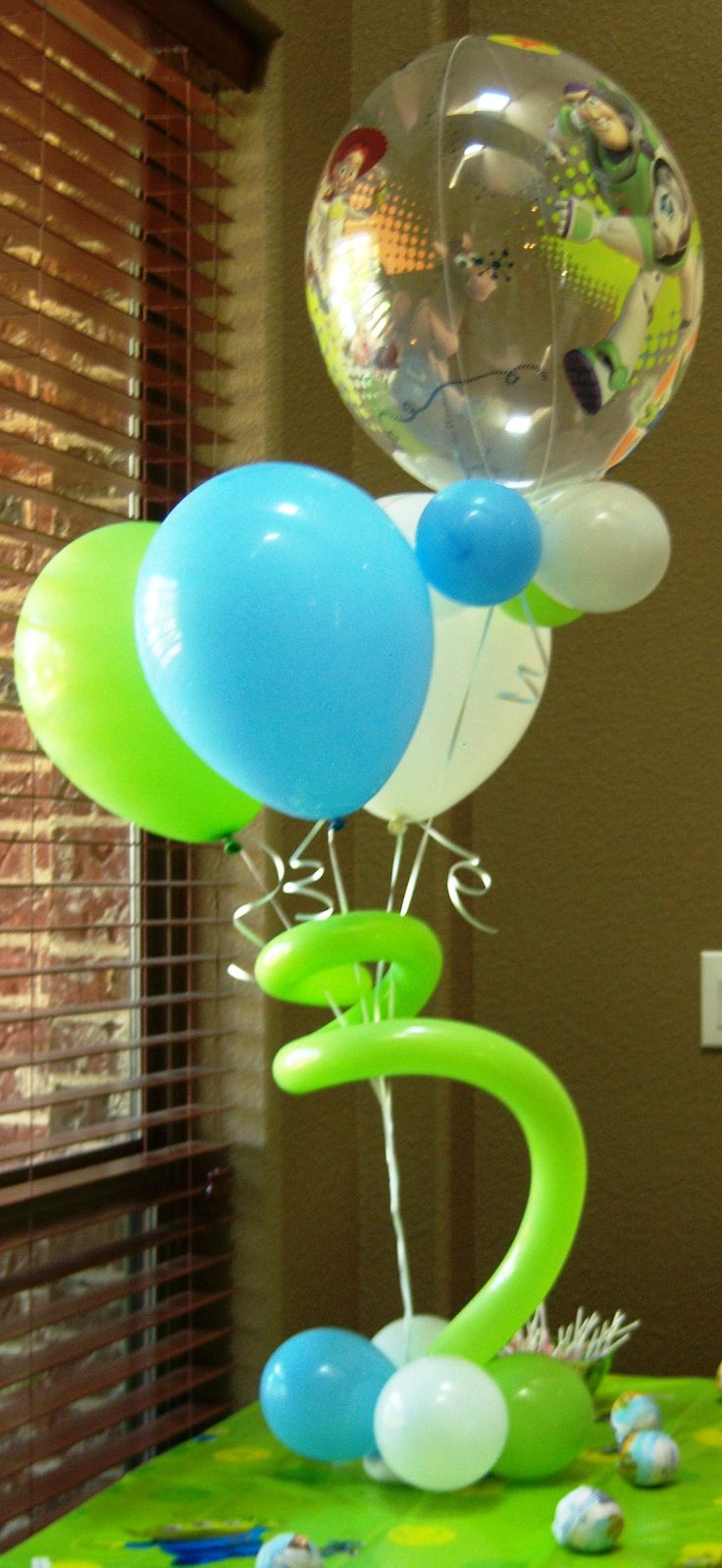 54 best images about boy birthday balloons decor on pinterest for Balloons arrangement decoration