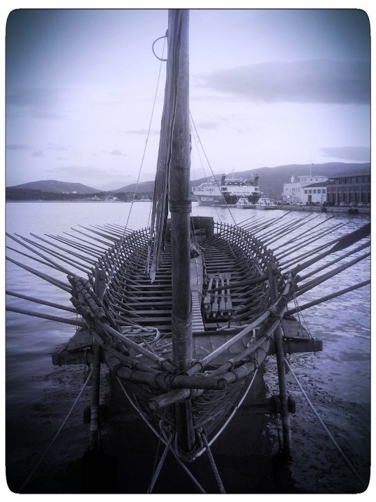 A new reconstructed Argo sails again after 3500 years of a scientific - experimental voyage in the Adriatic
