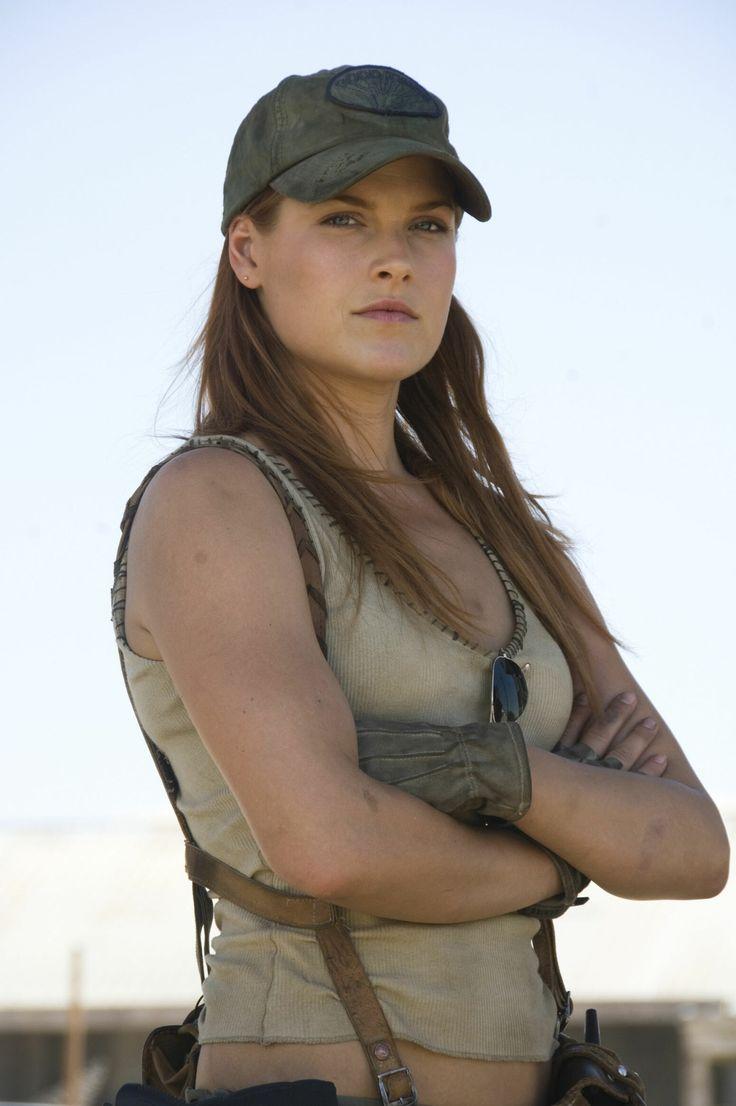 Ali Larter as Claire Redfield: Resident Evil: Extinction