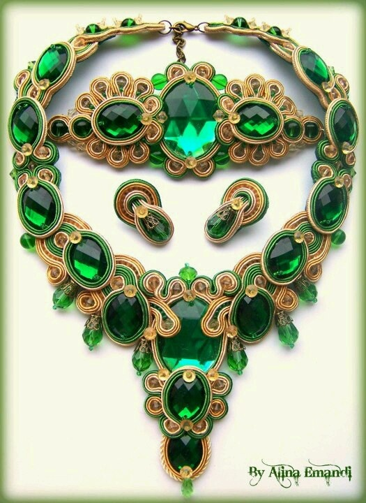 Alina Emandi-Romania Stunning emerald green necklace, soutache