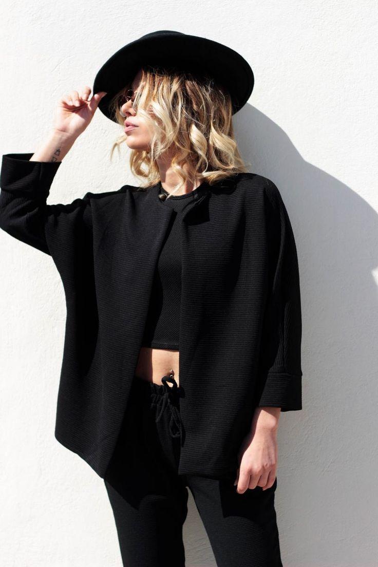Mαύρο σακάκι oversized.
