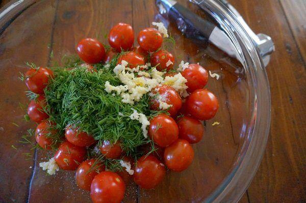 3 отличных рецепта малосольных помидоров / Едальня